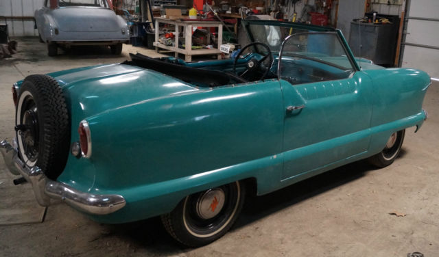 1956 Nash Metropolitan (Caribbean Blue / Tourquois/Blue Plaid)