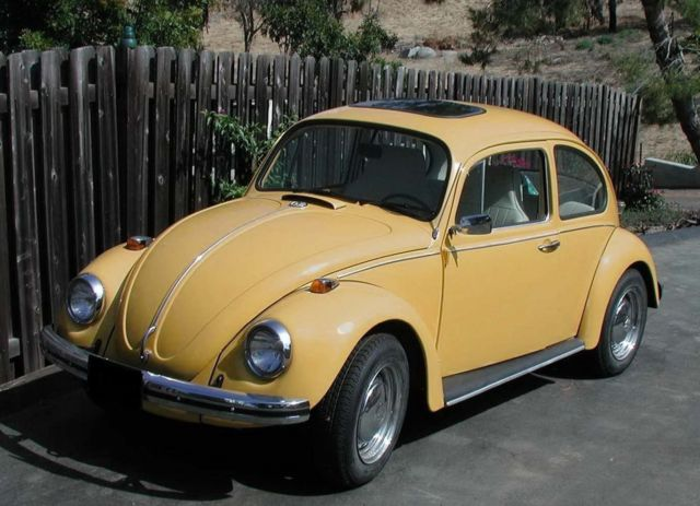 seller of classic cars 1969 volkswagen beetle classic sunny yellow white. Black Bedroom Furniture Sets. Home Design Ideas