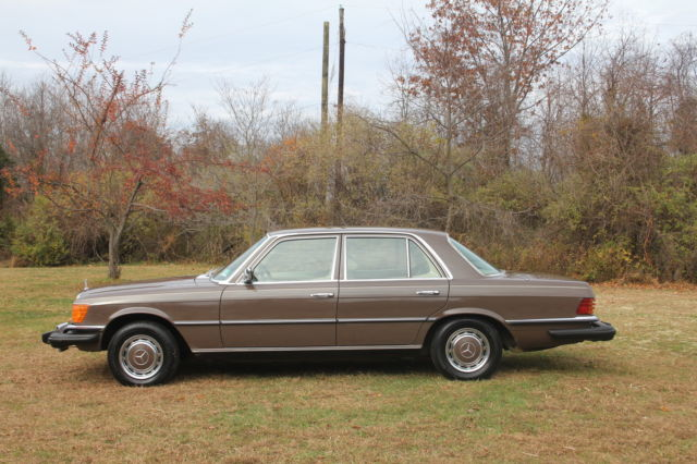 Seller of classic cars 1976 mercedes benz 200 series for Mercedes benz private sellers