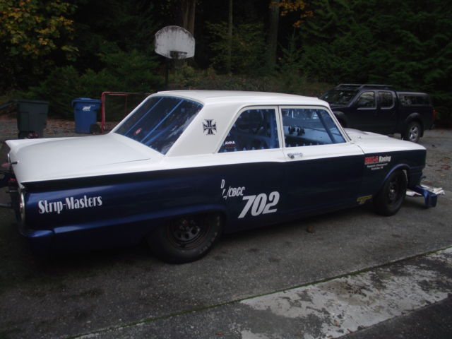 Seller of Classic Cars - 1963 Ford Fairlane (White/Blue