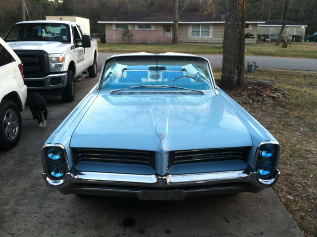 1964 Pontiac Bonneville (light blue/white and light blue)