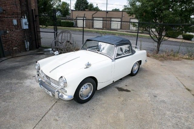 1961 MG Midget (White/Black)
