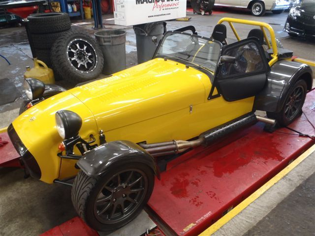 1967 Lotus Super Seven (Yellow/Carbon fibre/Black)