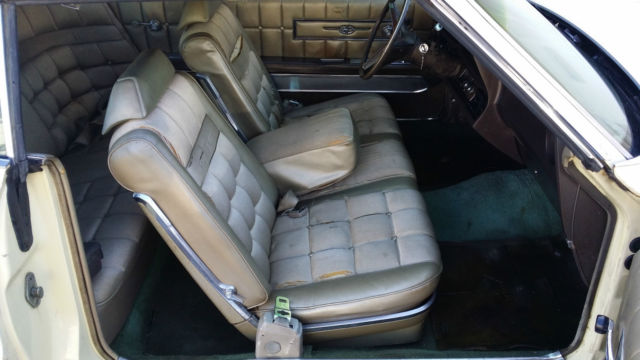 Seller of Classic Cars - 1970 Ford Thunderbird (Yellow/Tan)