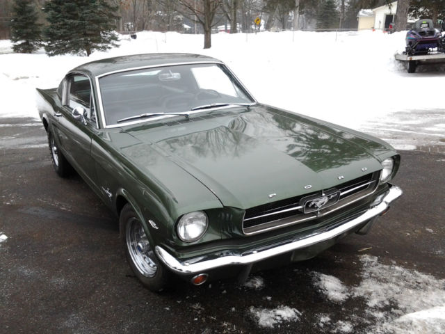 1965 Ford Mustang (Green/Black)