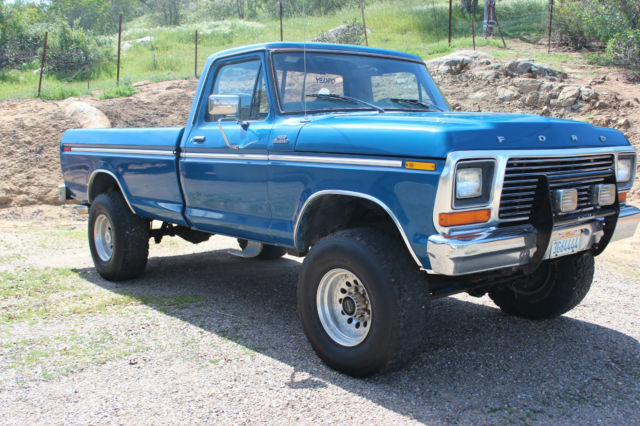 1979 Ford F-250 (Yellow/Brown)