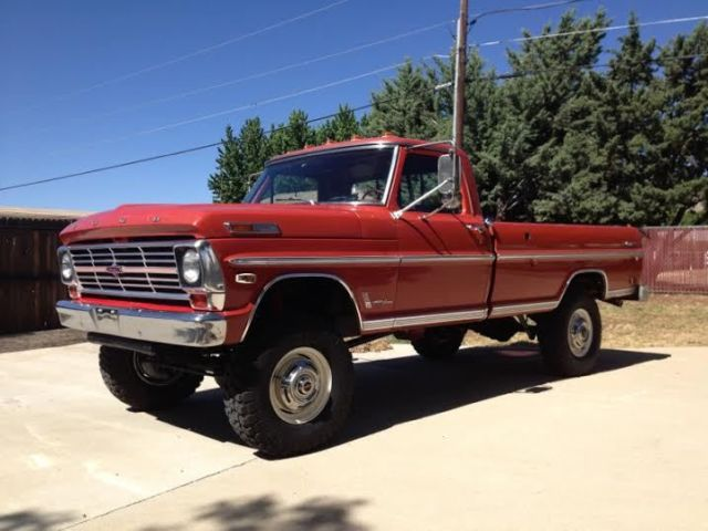 1969 Ford F-250 (Red/Red)