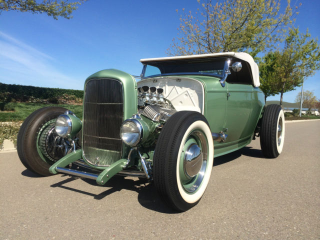 1932 Ford Model A (Green/White)
