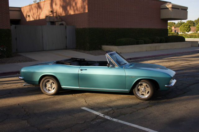 1966 Chevrolet Corvair (Tropical Turquoise/Black)