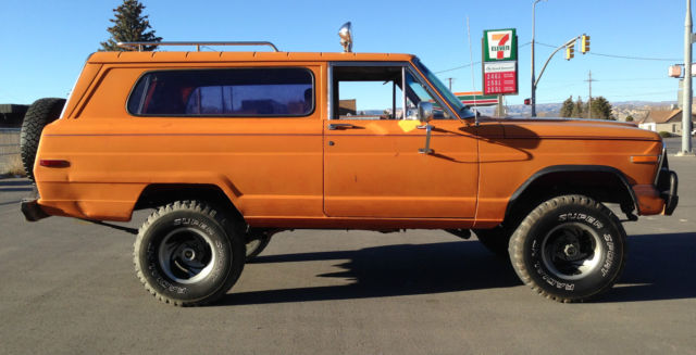1979 Jeep Cherokee (Orange/Brown)