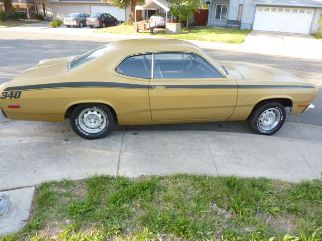 Seller of Classic Cars - 1972 Plymouth Duster (Gold/Black)