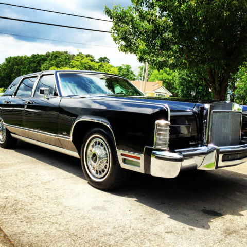 seller of classic cars 1979 lincoln continental black. Black Bedroom Furniture Sets. Home Design Ideas