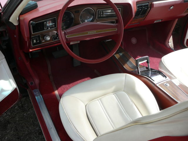 Seller of Classic Cars - 1977 Buick Regal (Red/White)