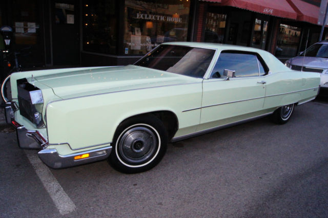 seller of classic cars 1973 lincoln continental light green dark green. Black Bedroom Furniture Sets. Home Design Ideas