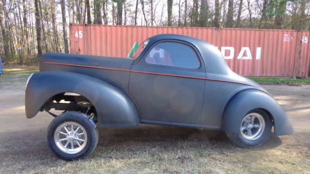 1941 Willys Falcon (Black/Gray)