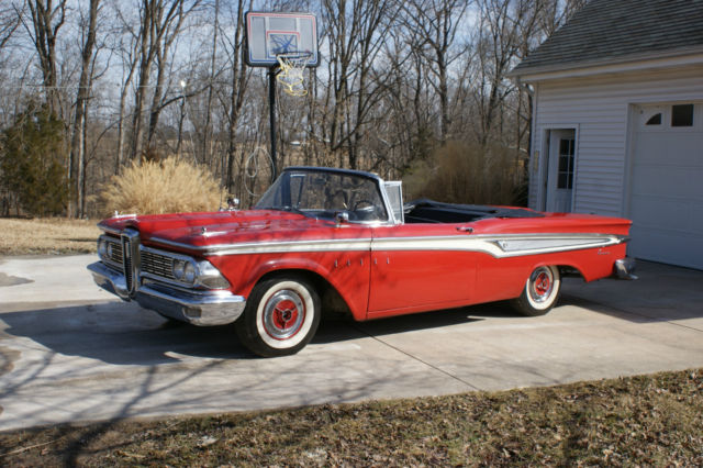 1959 Edsel Corsair (Red/Black/Red)