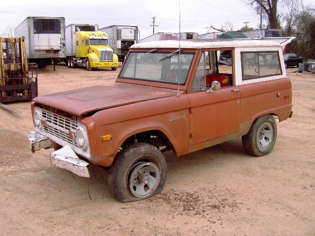 1975 Ford Bronco (Brown/Brown)