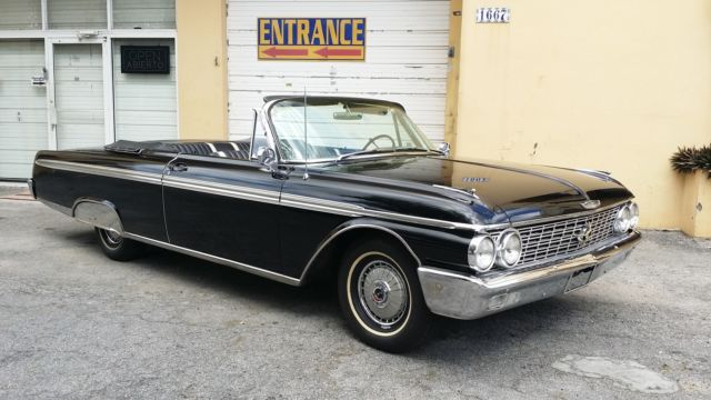 1962 Ford Galaxie (Black/Black)