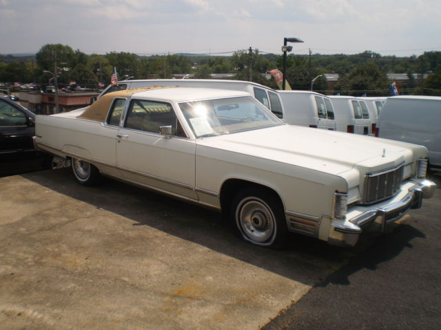 1975 Lincoln Continental White