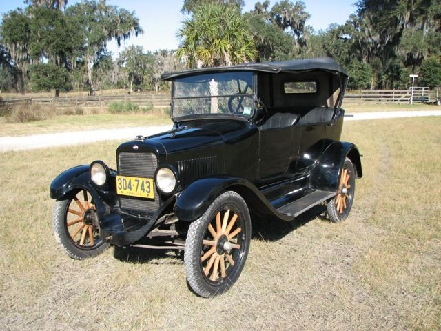 1921 Willys Touring Car (Black/Black)