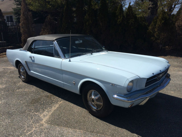 1965 Ford Mustang (Blue/Blue)