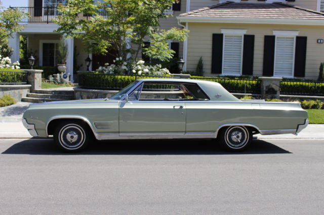 1964 Oldsmobile Starfire (Heather Mist (light green metallic)/Dark Green)