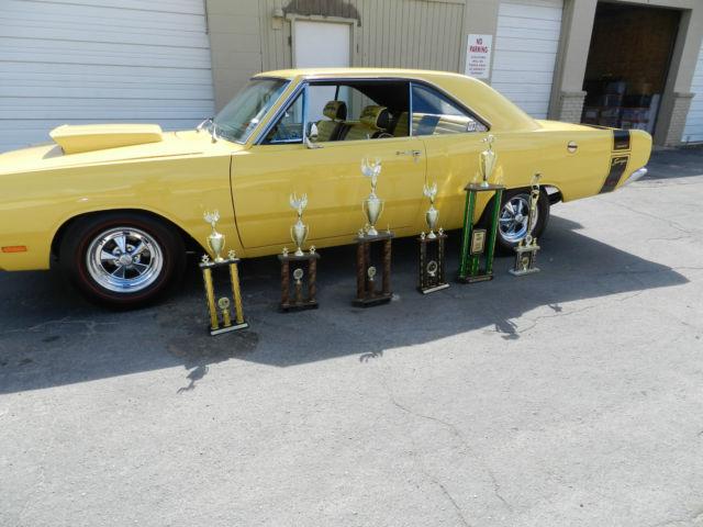 Each one Yellow 1969 dodge swinger Angeles exact