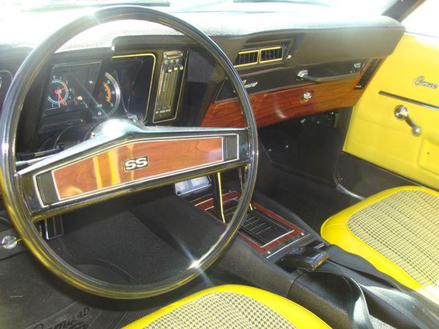 Seller Of Classic Cars 1969 Chevrolet Camaro 76b Daytona Yellow W Black Vinyl Top 714 Yellow