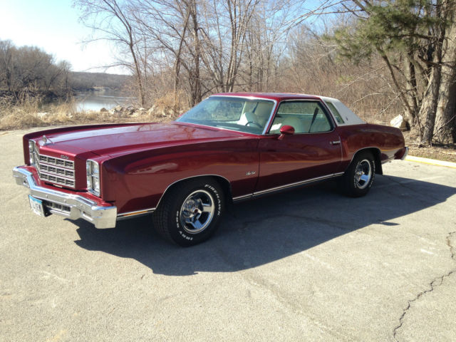 seller of classic cars 1977 chevrolet monte carlo burgundy white. Black Bedroom Furniture Sets. Home Design Ideas