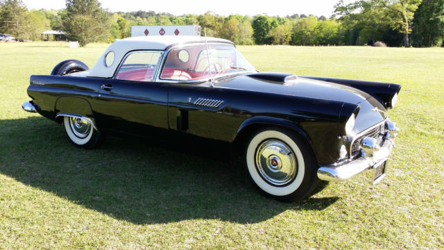 1956 Ford Thunderbird (Black/Red)