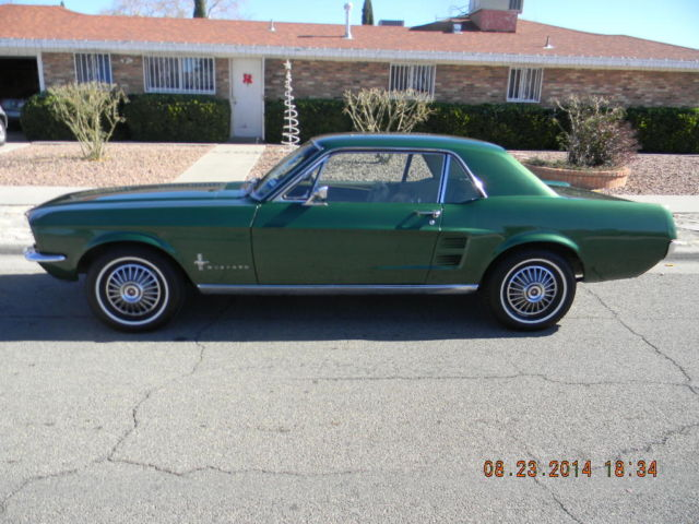 1967 Ford Mustang (Dark Green/Lighter Green / Teal)