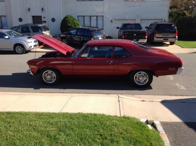 1971 Chevrolet Nova (Red/Black)