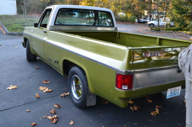 1973 GMC Sierra 1500 (Lime Green / White/Tan clotch)