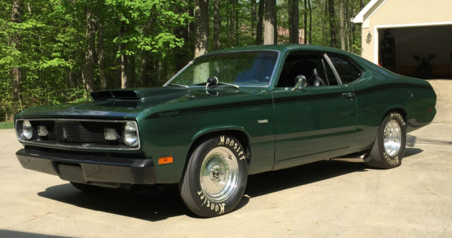 seller of classic cars 1970 plymouth duster green black. Black Bedroom Furniture Sets. Home Design Ideas