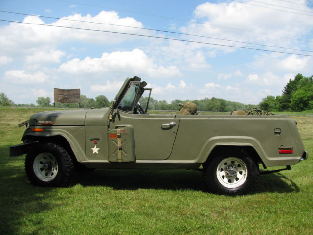 1971 Willys Commando (OD Green/OD Green)
