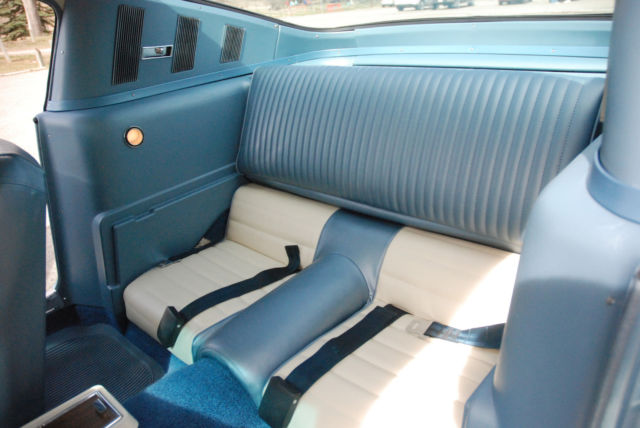 seller of classic cars 1966 ford mustang silver blue deluxe blue white pony. Black Bedroom Furniture Sets. Home Design Ideas