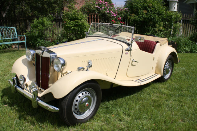1953 MG T-Series (Ivory/Red)