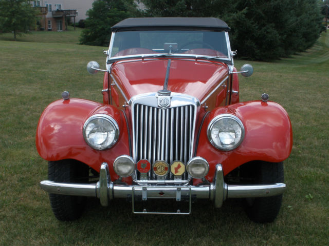 1953 MG T-Series (Red/Black)