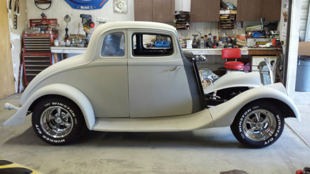 1933 Willys coupe (Silver/Silver)