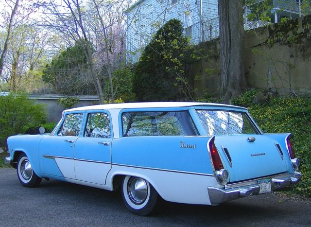 1957 Plymouth Station Wagon (Two Tone Sky Blue/White/Dark Blue/