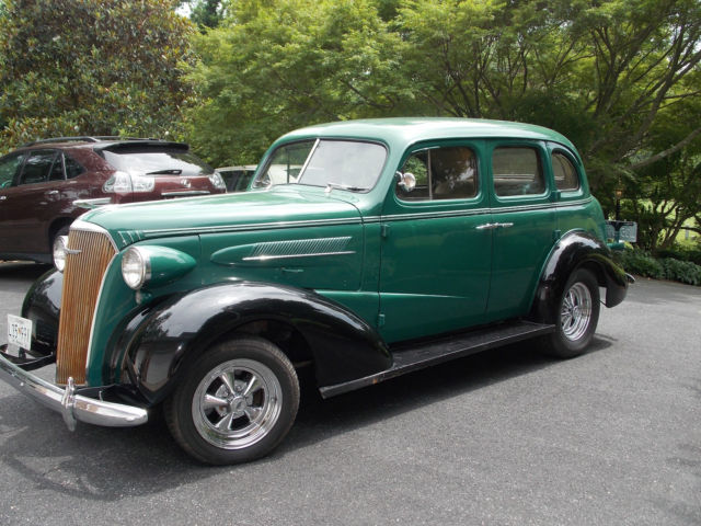 Seller of classic cars 1937 chevrolet 4 door sedan for 1937 chevy 2 door sedan