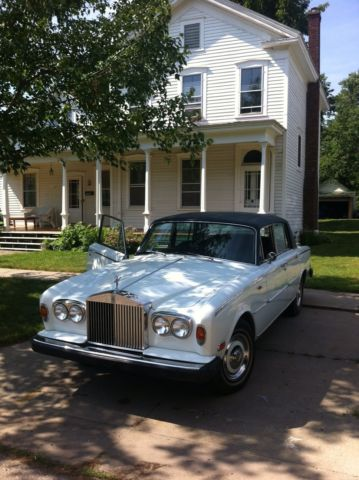 1973 Rolls-Royce Silver Shadow (White/navy blue)