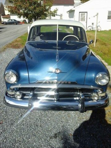 1952 Plymouth Cambridge (Belmont Blue with Dawn Grey Top/Grey/white)