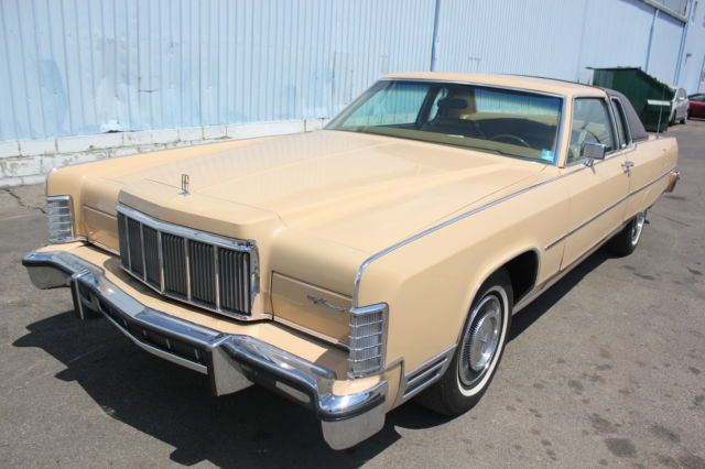 seller of classic cars 1976 lincoln continental tan tan. Black Bedroom Furniture Sets. Home Design Ideas