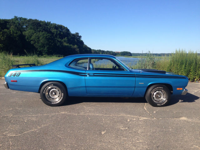 1973 Plymouth Duster (Blue/Blue)