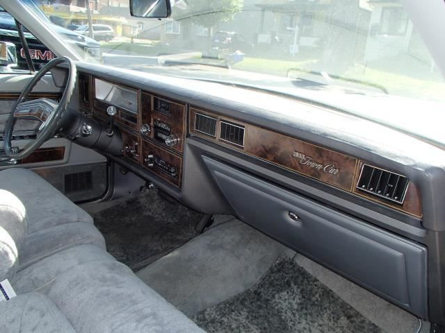 Seller Of Classic Cars 1979 Lincoln Town Car Moondust