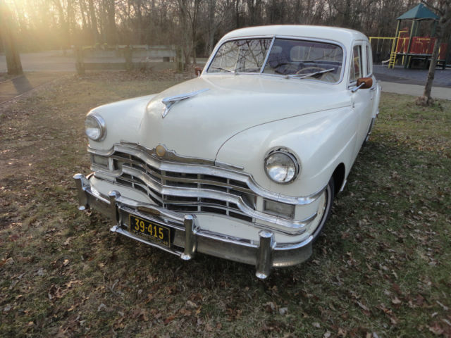 1949 Chrysler Royal (White/Red)