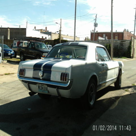 Seller Of Classic Cars 1966 Ford Mustang White Blue