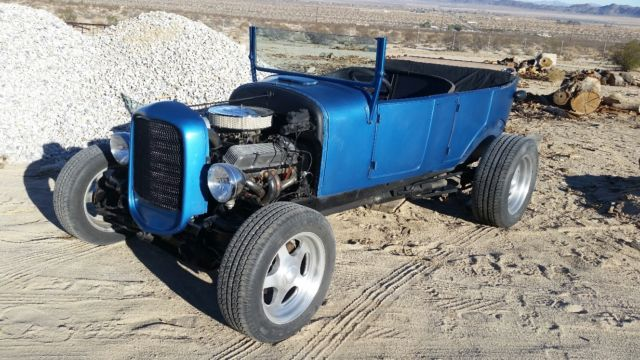 1927 Ford Model T (Blue/Black)