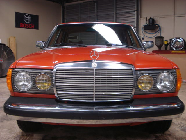 Seller of classic cars 1978 mercedes benz 300 series for Mercedes benz 300 series